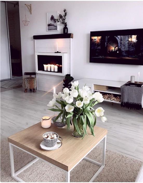 JOANNE - kwadratowy stolik na białej podstawie