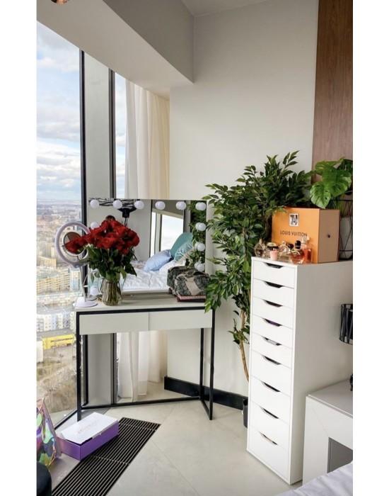FLORE - konsola z szufladami i białym matowym blatem