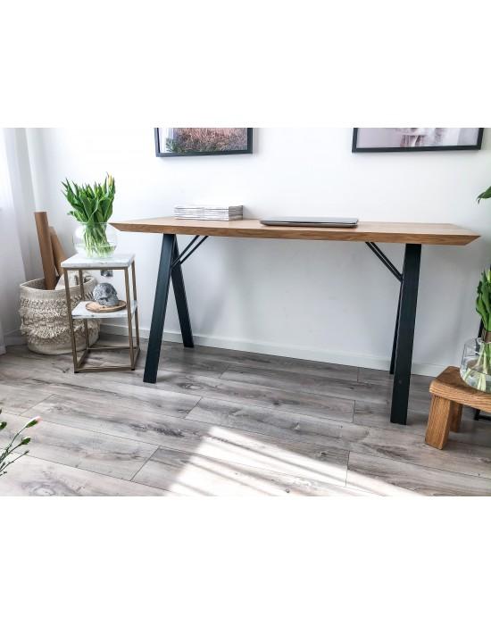 LOTTA - biurko w prostej formie